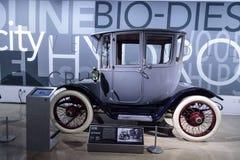 电池操作的1915年底特律电模型61有盖马车 免版税库存照片