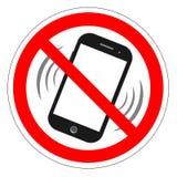 电池没有电话符号 手机枪手容量喑哑标志 没有智能手机允许的象 在白色背景的没有叫的标签 没有Pho 免版税库存照片