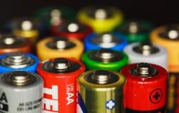 从电池的电彩虹 库存照片