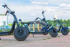 电滑行车在城市公园 切博克萨雷,俄罗斯, 19/05/2018 免版税库存图片