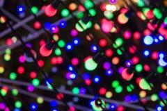 电灯泡五颜六色的光 免版税库存图片