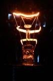 电灯泡发光的光 库存照片