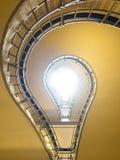电灯泡形状的台阶 免版税库存图片