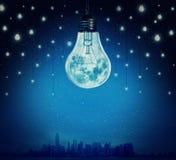 电灯泡月亮 免版税库存图片
