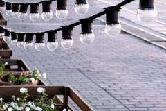 电灯泡特写镜头诗歌选俯视街道的 库存照片