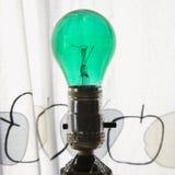 电灯泡绿灯 免版税库存照片