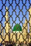 电烙在Nabawi清真寺,麦地那,沙特阿拉伯后的栏杆 免版税库存照片
