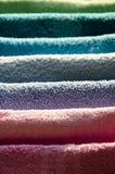 电烙的五颜六色的毛巾 免版税图库摄影