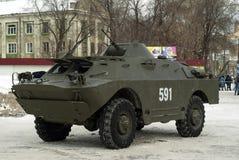 电烫,俄罗斯- 2018年3月03日:作战在城市街道上的侦察/巡逻车BRDM-2 库存图片