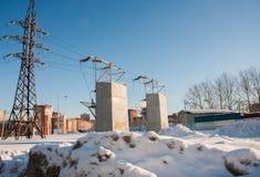 电烫,俄罗斯- 2月, 06 2016年:与电驻地的冬天都市风景 免版税图库摄影