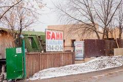 电烫,俄罗斯- 4月16 2017年:浴和台球广告  库存图片