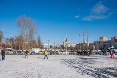电烫,俄罗斯- 2016年3月13日:在广场的冬天都市风景 免版税图库摄影