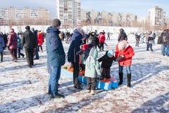 电烫,俄罗斯- 2016年3月13日:孩子参加竞争 库存照片