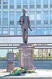 电烫,俄罗斯- 2013年6月11日:对亚历山大波波夫的纪念碑 库存照片
