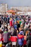 电烫,俄罗斯- 2016年3月13日:正方形的很多人民 免版税图库摄影