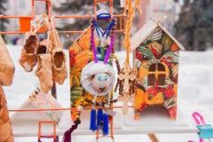 电烫,俄罗斯- 2016年3月13日:礼物和纪念品销售  免版税库存照片