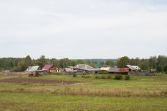 电烫,俄罗斯- 9月02 2016年:农村夏天风景 库存图片