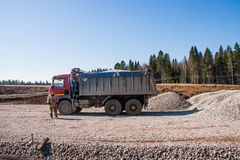 电烫,俄罗斯- 4月16 2016年:卡车和司机 图库摄影