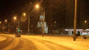 电烫,俄罗斯- 1月29 2017年:在城市街道上的交通 影视素材