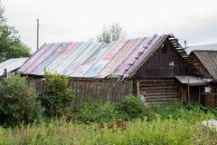 电烫,俄罗斯- 9月02 2016年:老木房子 免版税图库摄影