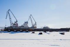 电烫,俄罗斯- 3月11 2017年:造船厂在死水河 免版税库存照片