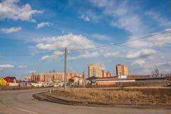 电烫,俄罗斯- 4月16,2016 :建筑新高空 免版税库存照片