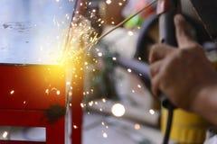 电焊过程 电弧焊接过程 免版税库存照片