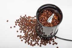 电研磨机机器用烤咖啡豆 库存图片