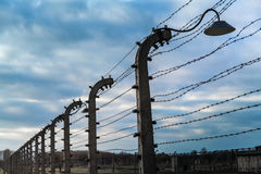 电篱芭在奥斯威辛II比克瑙 免版税库存照片