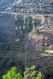 电缆喜马拉雅山印第安被暂停的台车 免版税库存照片