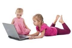 电脑游戏开玩笑膝上型计算机使用 免版税库存照片