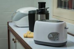 电装置在厨房里 免版税库存照片