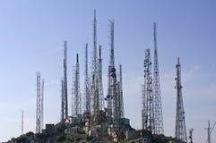 电视和GSM发射机塔 免版税图库摄影