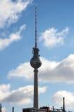 电视塔在柏林 免版税图库摄影