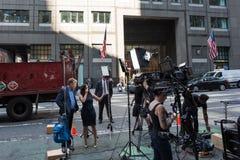 电视新闻乘员组在曼哈顿, NYC 库存照片