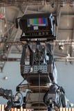 电视新闻广播的专业摄象机 免版税库存图片