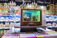 电视的圣诞老人 免版税库存照片
