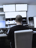 电视编辑与在电视broadca的音频录影搅拌器一起使用 库存图片