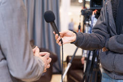 电视采访 免版税图库摄影