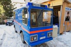 电警车的外部停放了在街道在策马特,瑞士 免版税图库摄影