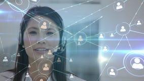 电话中心代理谈话与客户通过互联网 股票视频