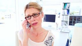 电话的失望的女实业家 影视素材