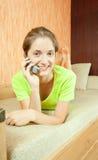 电话联系的妇女 免版税库存照片