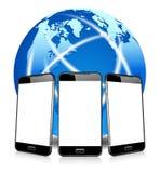 给电话细胞聪明的流动电话打电话,打电话世界上任何地方 免版税库存图片