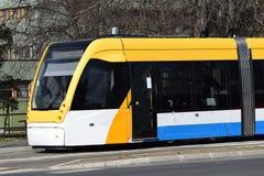电车在城市 免版税库存照片