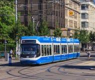 电车在市瑞士苏黎士 免版税图库摄影