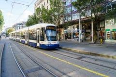 电车在日内瓦,瑞士 免版税库存照片