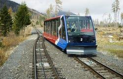 电车在高Tatras,斯洛伐克 库存照片