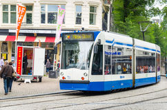 电车在Spui广场 库存照片