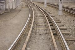 电车或火车的路轨 免版税库存图片